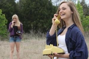 Contoh Percakapan Bahasa Inggris Di Telepon ( ON THE PHONE )