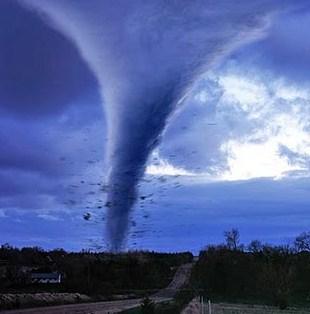 Penyebab Angin Topan Serta Ciri, dan Cara Penanggulangannya